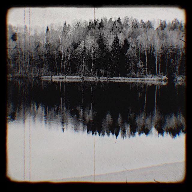 Autumn mood  #FUMparFUM #creative #studio #lake #foresr #nature #blackandwhite #cinematographic