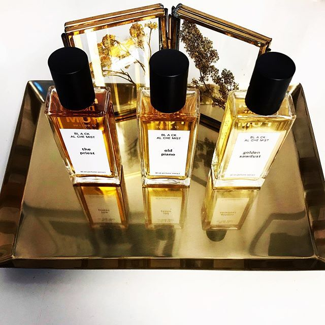 Fragrant FUMparFUM winter is coming with BLACK ALCHEMIST collection! >>> Three warm woody extracts  Golden Sawdust -> reminiscence of sawmill in the mountains Old Piano -> how smell the old jazz club in New York The Priest -> fragrant Catholic church smell  Only by orders: fum@fumparfum.com  #new #collection #BlackAlchemist #winter #fragrances #woody #smells #niche #art #artisan #artistic #perfumery #handmade #FUMparFUM #creative #studio